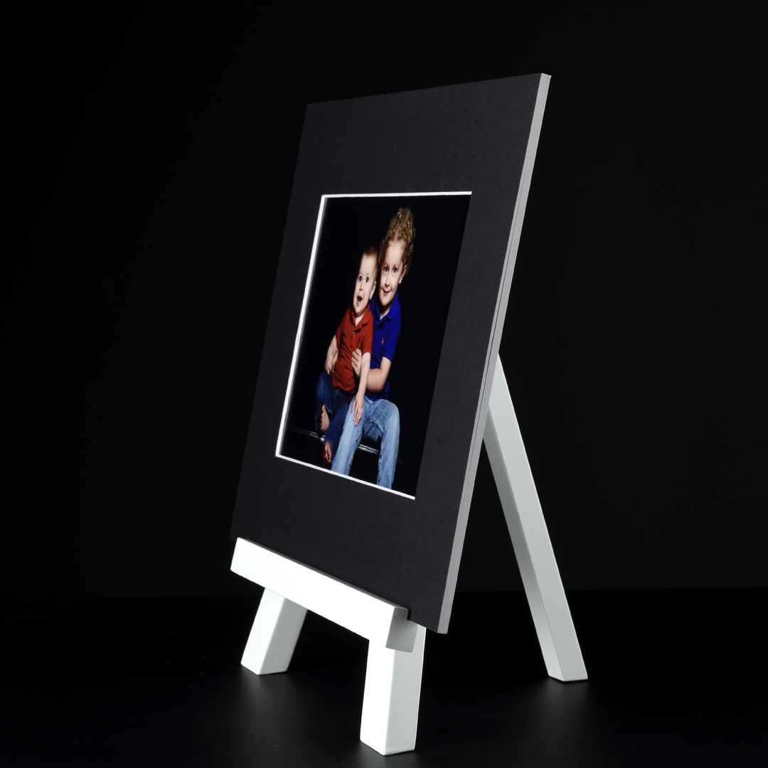Image art mount with portrait easel side view