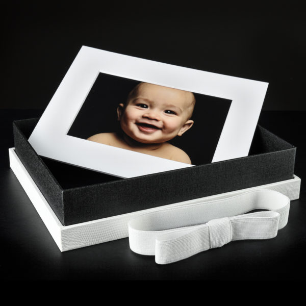 Mini Portrait Box white lizard texture with image art mount